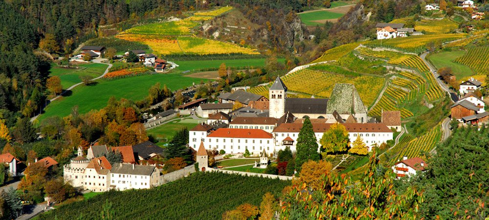 Your autumn holiday in South Tyrol: didactical trails and farmer markets