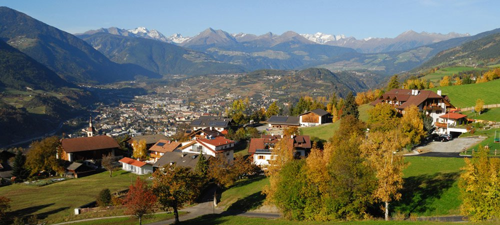 Autumn holiday in South Tyrol: the Törggelen in Isarco Valley